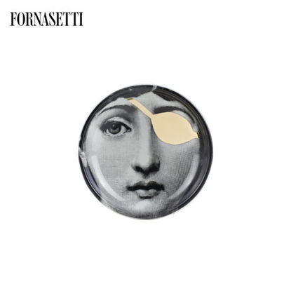 Picture of Fornasetti Round ashtray Tema e Variazioni n°8 black/white/gold