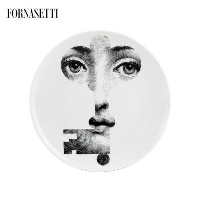 Picture of Fornasetti Porcelain Wall plate Tema e Variazioni n°47 black/white