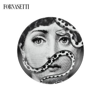 Picture of Fornasetti Porcelain Wall plate Tema e Variazioni n°383 black/white