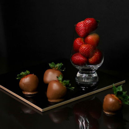 Picture of CMV Txokolat Sofia Strawberries (12 pcs)